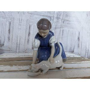 B&g 1745 girl cat only one drop figurine